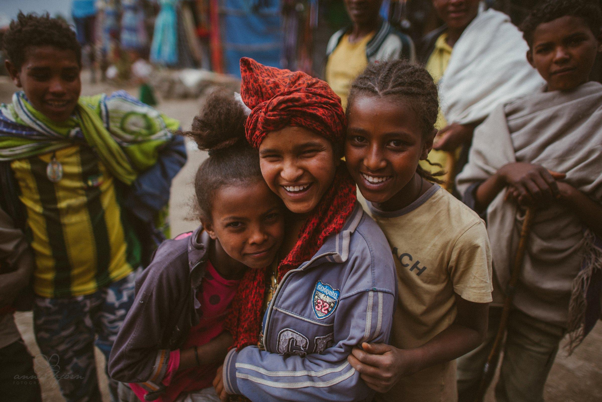Kinder auf dem Markt in Lalibela Äthiopien